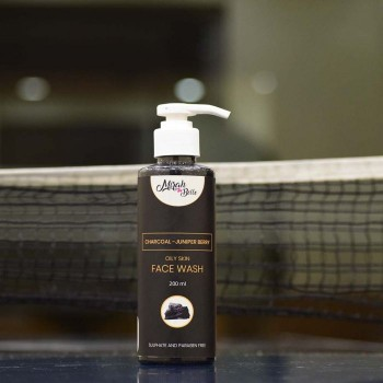 Mirah Belle Charcoal - Juniper Berry Oily Skin Face Wash